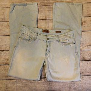 Seven7 Light Wash Denim Jeans
